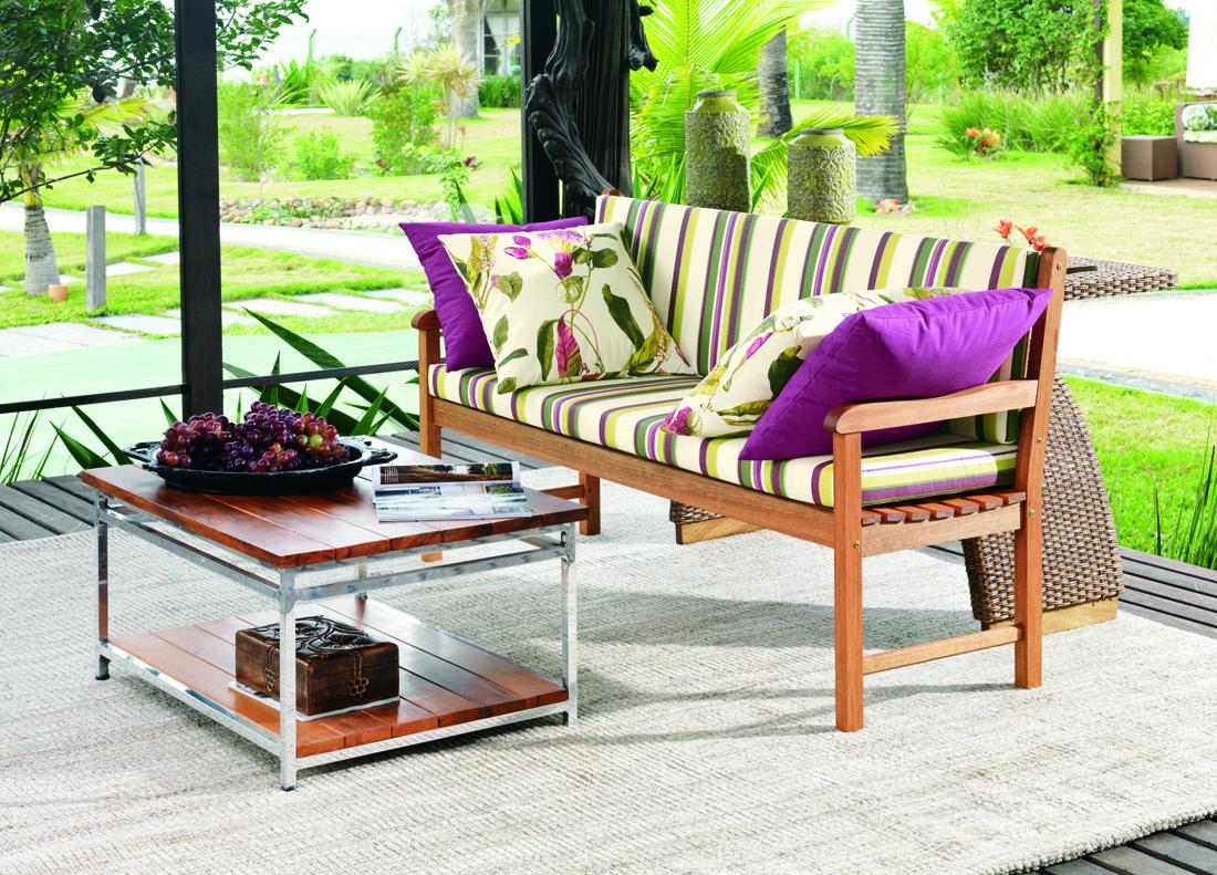 Nossos produtos também ganham um charme a mais com almofadas. Use sua  #955C36 1100x791