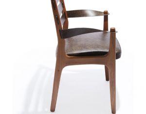 Cadeira Tarja com Braços - Verniz Freijó - Couro Marrom
